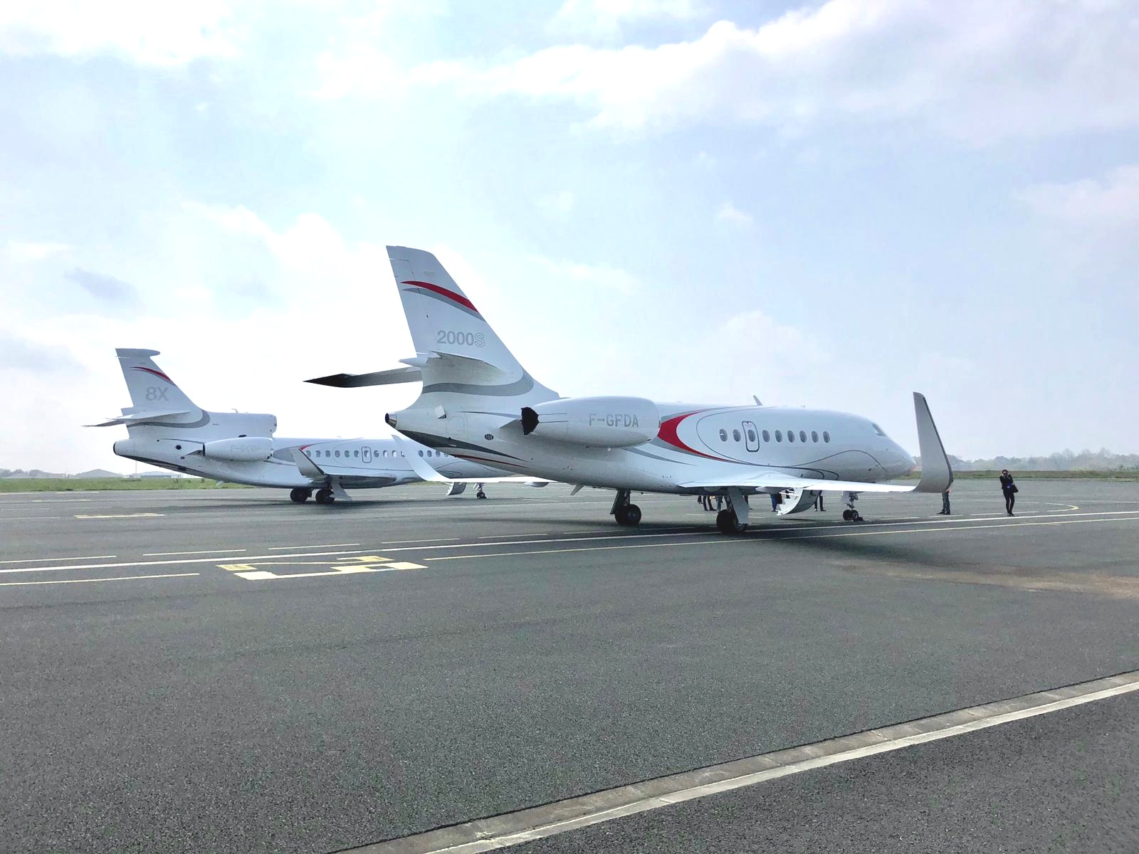 KJET, An Executive Jet Management Company Visits Dassault Aviation; And Flys In Two Dassault Falcon: Falcon 2000S and Falcon 8X