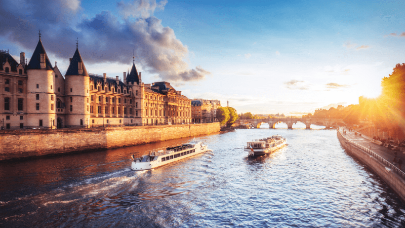 THE MOST BEAUTIFUL PLACES TO VISIT IN THE WORLD BY PRIVATE JET AFTER COVID-19 - Paris